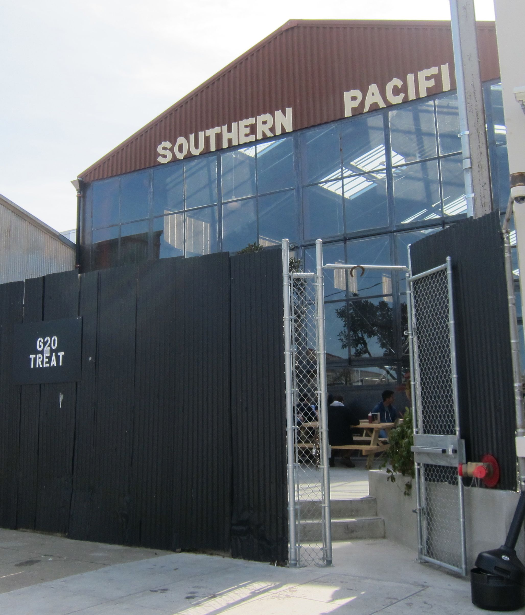 Southern Pacific Brewing Company (16th St SF) – Beer by BART