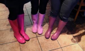 0325-pinkboots